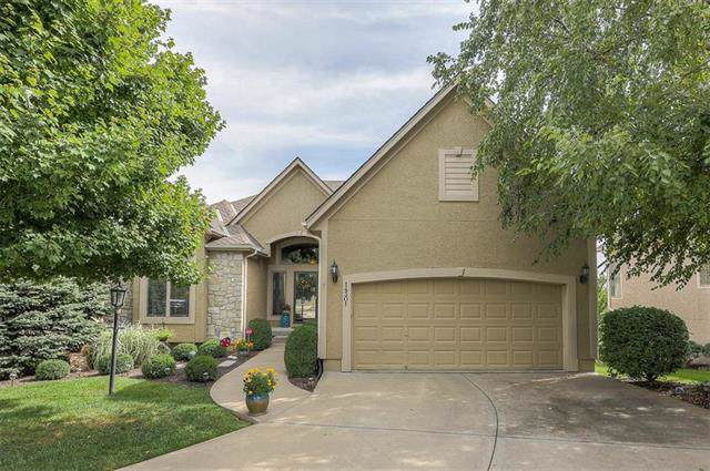14301 Manor Court, Leawood, KS 66224 (#2188871) :: Edie Waters Network