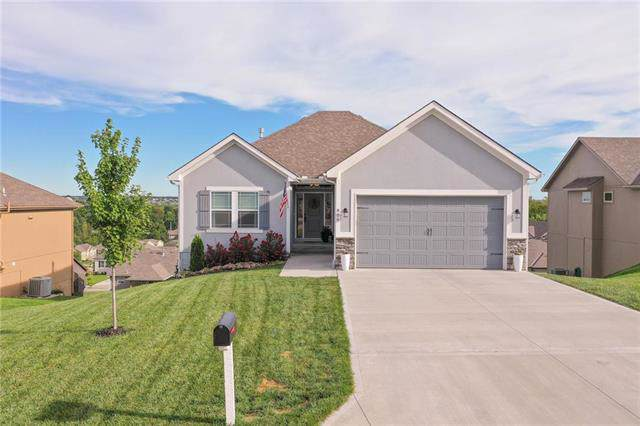 806 SW Hilltop Court, Grain Valley, MO 64029 (#2188874) :: No Borders Real Estate