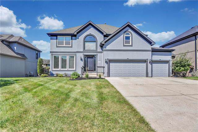 9218 N Virginia Avenue, Kansas City, MO 64155 (#2188886) :: Dani Beyer Real Estate