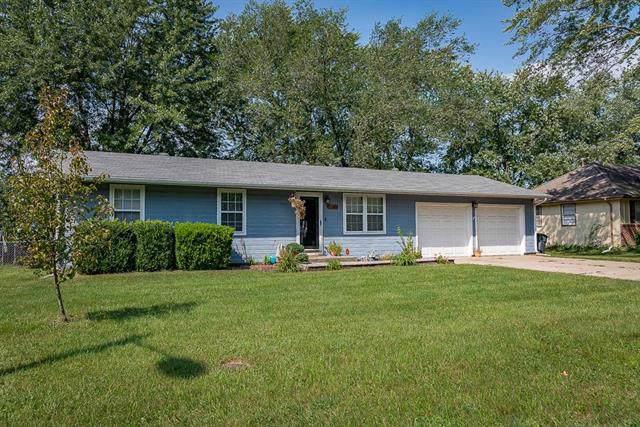 2104 Kay Street, Harrisonville, MO 64701 (#2188956) :: Clemons Home Team/ReMax Innovations