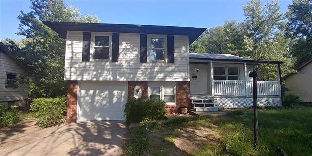 8907 Blue Ridge Boulevard, Kansas City, MO 64138 (#2188968) :: Dani Beyer Real Estate