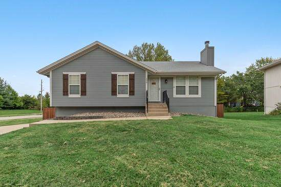 330 Shenandoah Drive, Raymore, MO 64083 (#2189013) :: Edie Waters Network