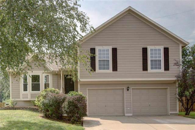 19007 W 160th Terrace, Olathe, KS 66062 (#2189016) :: House of Couse Group