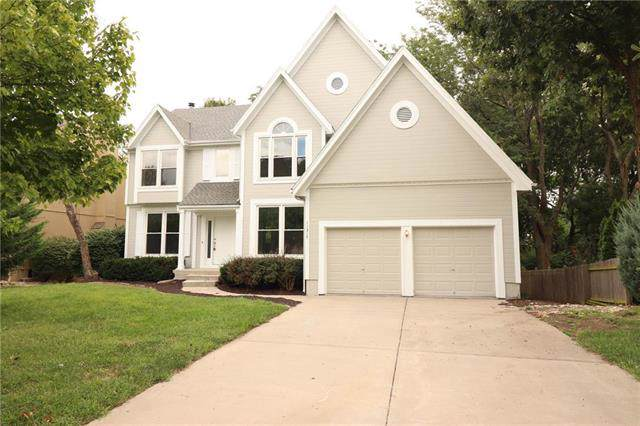 11317 W 129th Terrace, Overland Park, KS 66213 (#2189024) :: House of Couse Group
