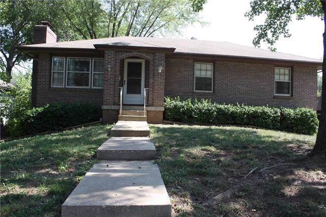 13437 Belmeade Avenue, Grandview, MO 64030 (#2189040) :: Dani Beyer Real Estate