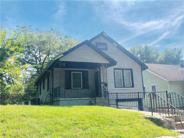 6735 Walrond Avenue, Kansas City, MO 64132 (#2189061) :: Eric Craig Real Estate Team