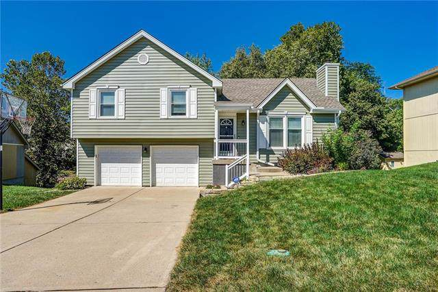 6512 NW Sioux Drive, Parkville, MO 64152 (#2189138) :: Kansas City Homes