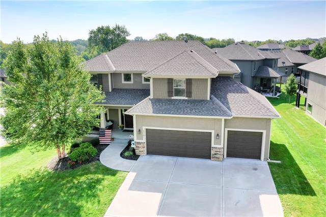 25101 W 83rd Terrace, Lenexa, KS 66227 (#2189140) :: House of Couse Group