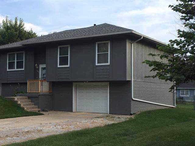 1805 Ann Avenue, Harrisonville, MO 64701 (#2189141) :: House of Couse Group