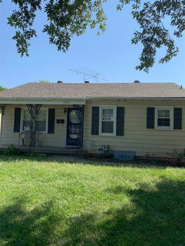 10501 E 26th Street, Independence, MO 64052 (#2189149) :: No Borders Real Estate