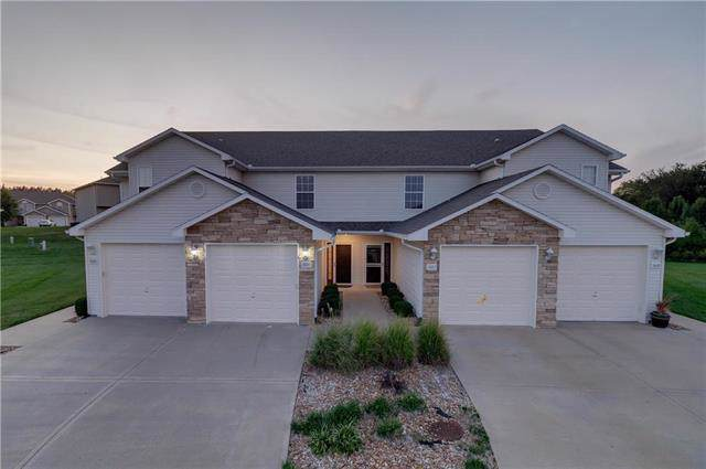 1604 SW Madison Circle, Lee's Summit, MO 64081 (#2189160) :: House of Couse Group