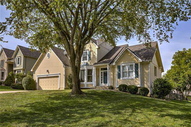 3604 NW Winding Woods Drive, Lee's Summit, MO 64064 (#2189169) :: House of Couse Group