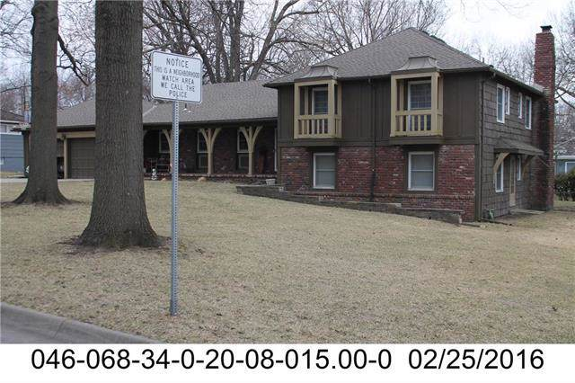 8904 Mohawk Lane, Leawood, KS 66206 (#2189364) :: Ask Cathy Marketing Group, LLC