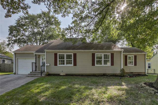 8207 Antioch Road, Overland Park, KS 66204 (#2189438) :: Ask Cathy Marketing Group, LLC