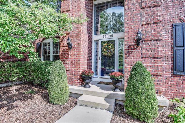 14609 Falmouth Street, Leawood, KS 66224 (#2189512) :: Kansas City Homes
