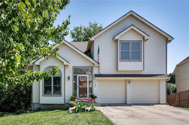 7833 N Strathbury Avenue, Kansas City, MO 64151 (#2189752) :: Kansas City Homes