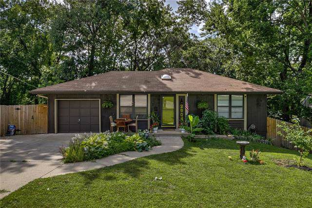 2804 N Walrond Avenue, Kansas City, MO 64117 (#2189908) :: Kansas City Homes
