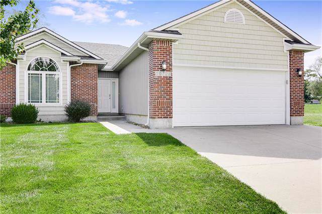 10723 E 46th Terrace, Kansas City, MO 64133 (#2189943) :: The Shannon Lyon Group - ReeceNichols