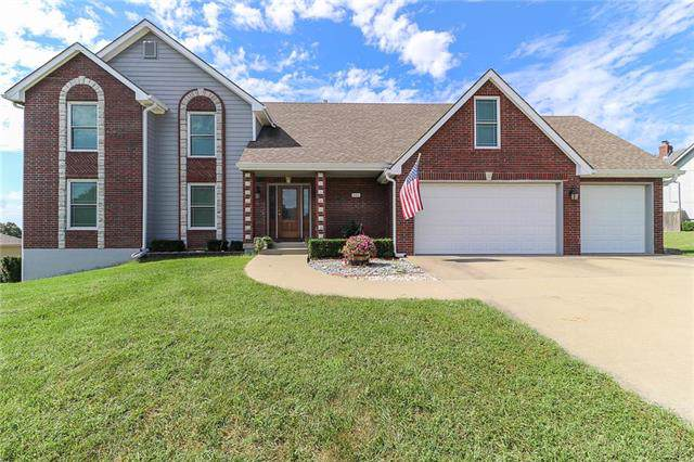 1505 Sugarland Parkway, Pleasant Hill, MO 64080 (#2190042) :: The Gunselman Team