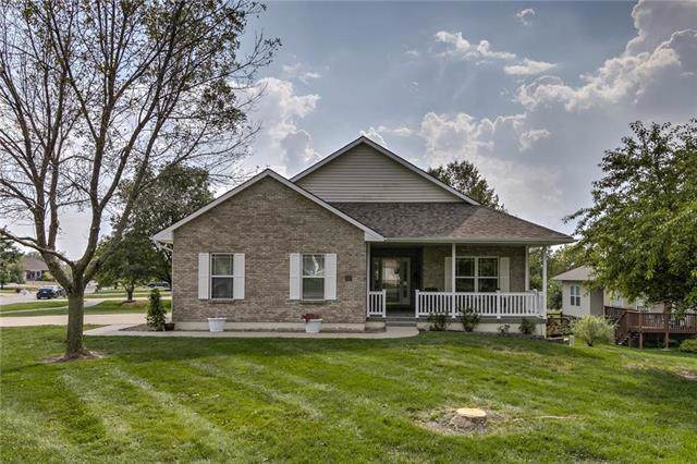 410 Victoria Avenue, Excelsior Springs, MO 64024 (#2190053) :: Stroud & Associates Keller Williams - Powered by SurRealty Network