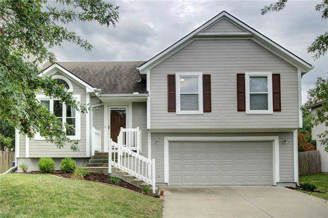 18331 W 164th Street, Olathe, KS 66062 (#2190063) :: The Shannon Lyon Group - ReeceNichols