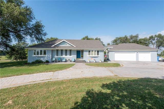 20801 251st Street, Tonganoxie, KS 66086 (#2190138) :: Team Real Estate
