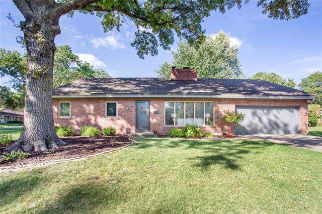 5716 W 89TH Street, Overland Park, KS 66207 (#2190178) :: The Shannon Lyon Group - ReeceNichols