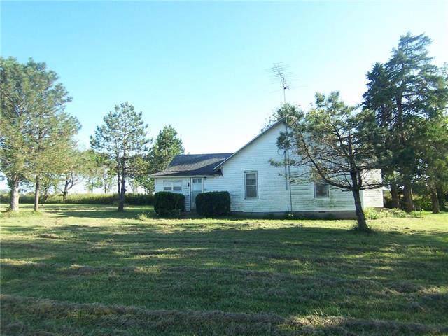 2303 Farris Road, Blue Mound, KS 66010 (#2190348) :: Dani Beyer Real Estate