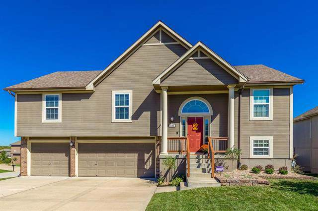 2117 NW Sycamore Lane, Grain Valley, MO 64029 (#2190486) :: Ask Cathy Marketing Group, LLC