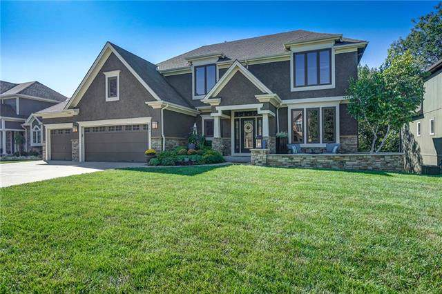 6140 N Nevada Avenue, Parkville, MO 64152 (#2190656) :: Clemons Home Team/ReMax Innovations