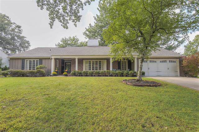 6606 Willow Lane, Mission Hills, KS 66208 (#2190662) :: The Shannon Lyon Group - ReeceNichols