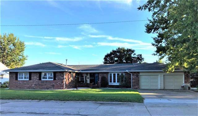 1617 Main Street Terrace, Osawatomie, KS 66064 (#2190745) :: House of Couse Group