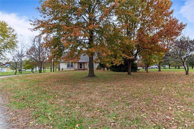 602 Miller Road, Trimble, MO 64492 (#2190824) :: Edie Waters Network