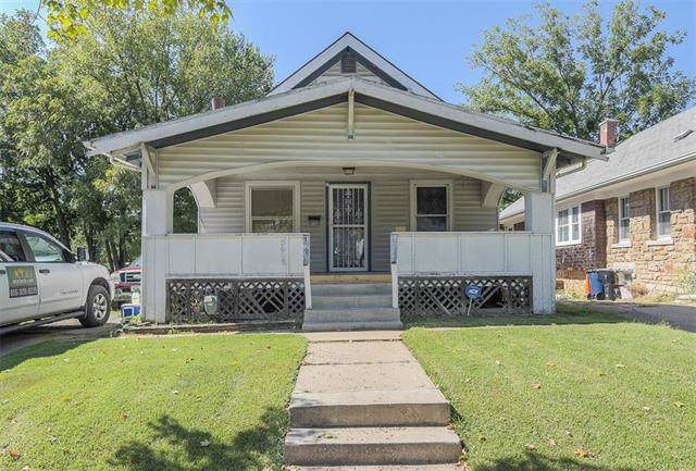 5816 Virginia Avenue, Kansas City, MO 64110 (#2190872) :: Clemons Home Team/ReMax Innovations