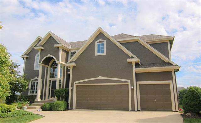 9733 Cooper Street, Lenexa, KS 66220 (#2190884) :: The Shannon Lyon Group - ReeceNichols