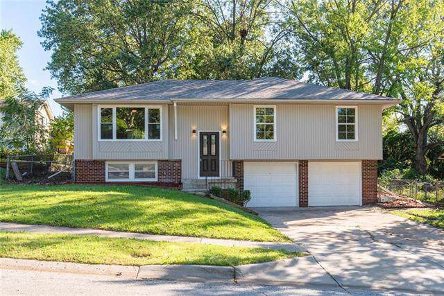3309 E 106th Terrace, Kansas City, MO 64137 (#2190977) :: The Shannon Lyon Group - ReeceNichols