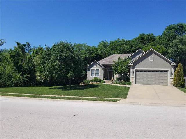 934 S 12th Street, Louisburg, KS 66053 (#2191028) :: House of Couse Group