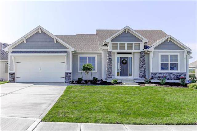 918 Zennor Lane, Raymore, MO 64083 (#2191374) :: Clemons Home Team/ReMax Innovations