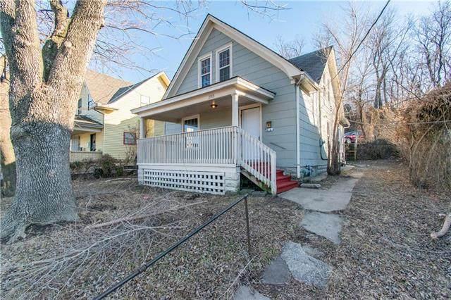 2913 Metropolitan Avenue, Kansas City, KS 66106 (#2191476) :: Austin Home Team