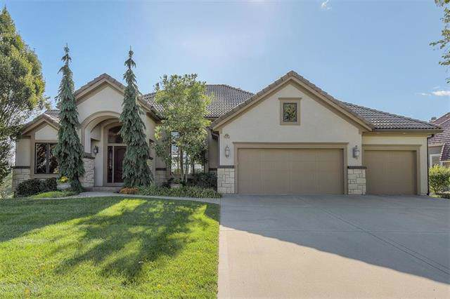 10509 N Dalton Avenue, Kansas City, MO 64154 (#2191502) :: Clemons Home Team/ReMax Innovations