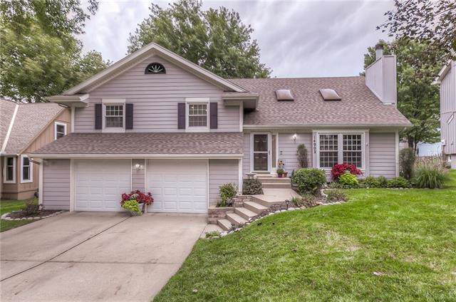14902 W 84th Street, Lenexa, KS 66215 (#2191581) :: The Shannon Lyon Group - ReeceNichols