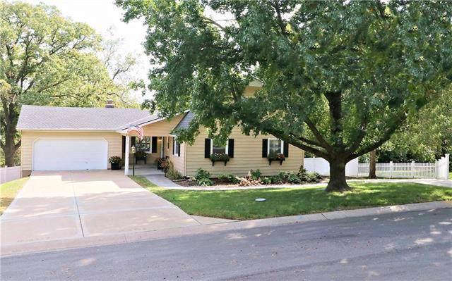 5401 N Holmes Street, Kansas City, MO 64118 (#2192053) :: Kansas City Homes