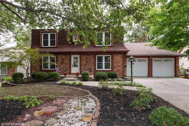 9843 Farley Lane, Overland Park, KS 66212 (#2192073) :: The Shannon Lyon Group - ReeceNichols