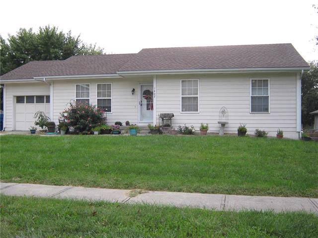 1402 Susan Street, Kearney, MO 64060 (#2192101) :: Kansas City Homes