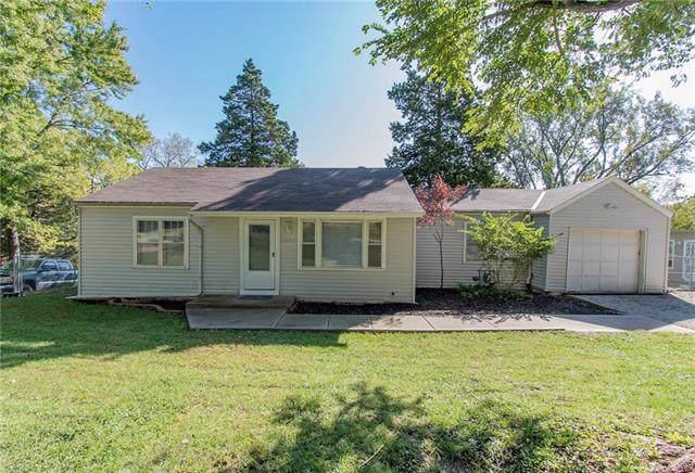 4045 NE Chaumiere Road, Kansas City, MO 64117 (#2192319) :: Eric Craig Real Estate Team