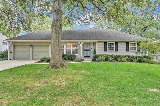 6415 Maple Drive, Mission, KS 66202 (#2192403) :: Team Real Estate