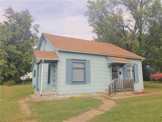 235 E 5th Avenue, Garnett, KS 66032 (#2192433) :: Eric Craig Real Estate Team