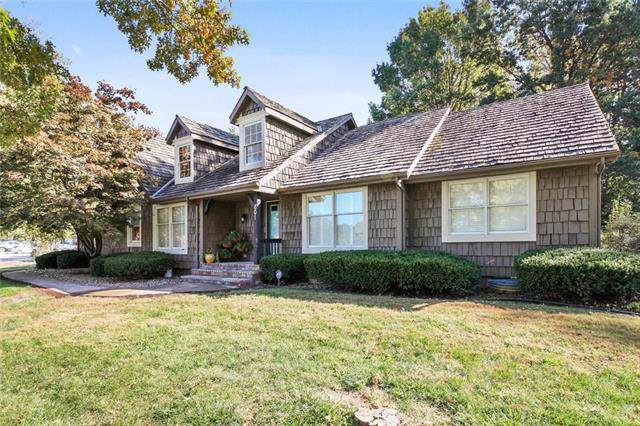 801 W 125th Terrace, Kansas City, MO 64145 (#2192443) :: Clemons Home Team/ReMax Innovations