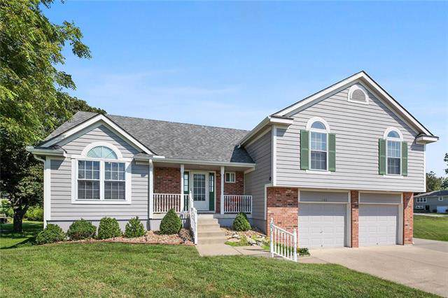 703 S Rogers Road, Louisburg, KS 66053 (#2192486) :: Kansas City Homes
