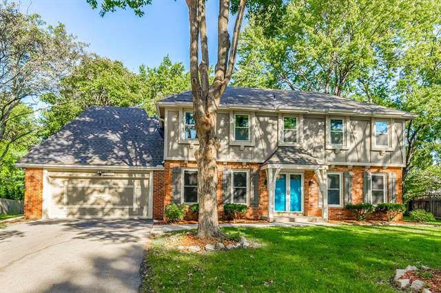10222 Oakmont Circle, Lenexa, KS 66215 (#2192800) :: Kansas City Homes